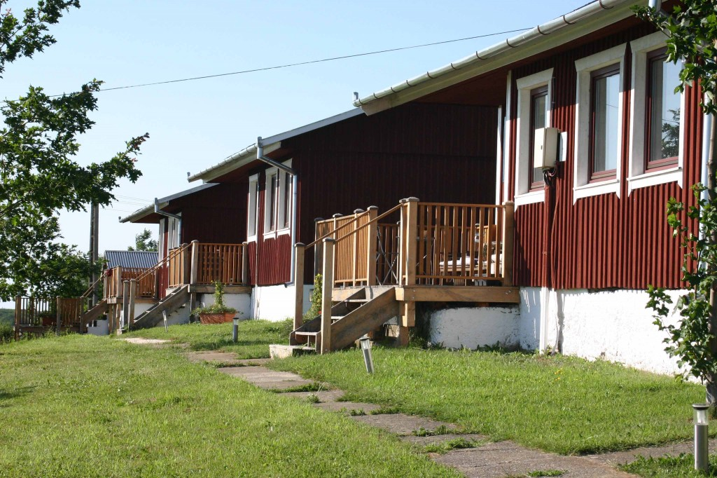 We also have two large two-bedroom cabins, sleeping up to six people. These apartment-style cabins are equipped with private kitchens and spacious bathrooms with shower, toilet and sink. Each has a deck from which to enjoy the wonderful views.
